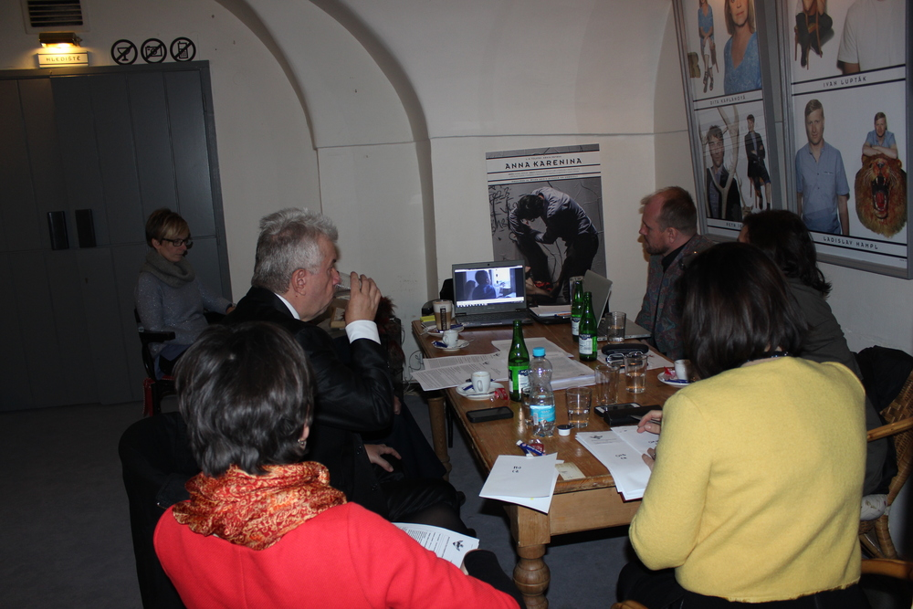 Porota sleduje medailonky natočené Českou televizí, hlavním mediálním partnerem.