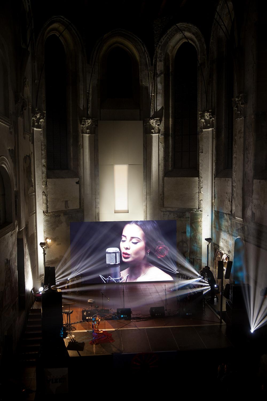 Program zahájila Monika Bagárová písní Ĺoli Ruža.