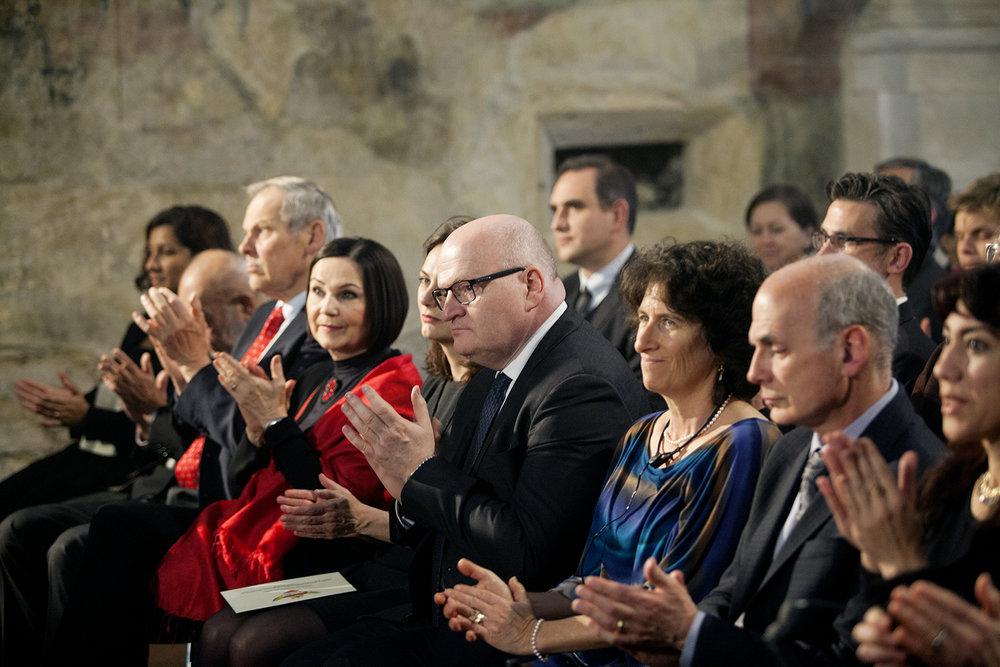 Partneři a členky a členové hlavní poroty.