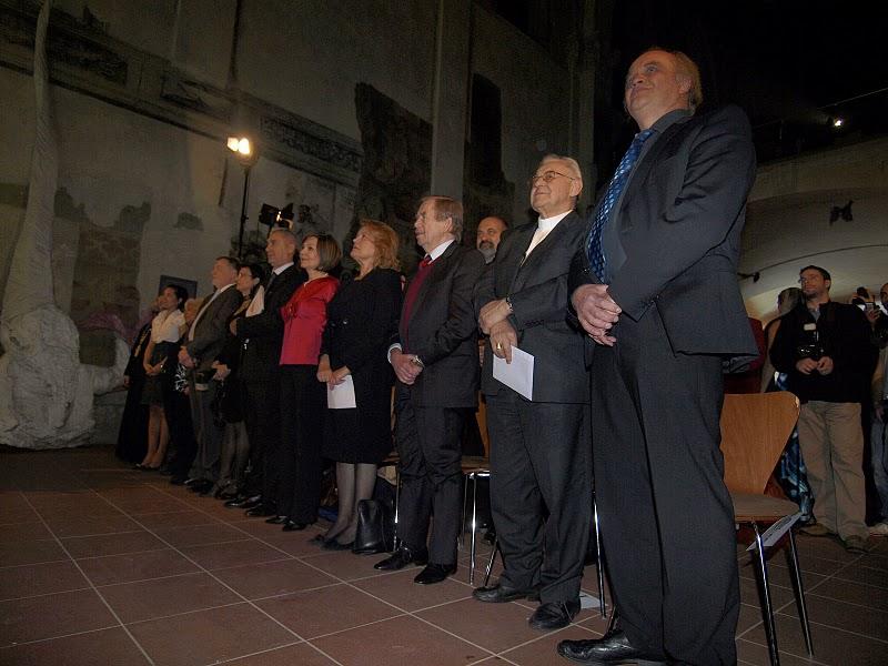 Členky a členové hlavní poroty a poroty Čin roku a hosté.
