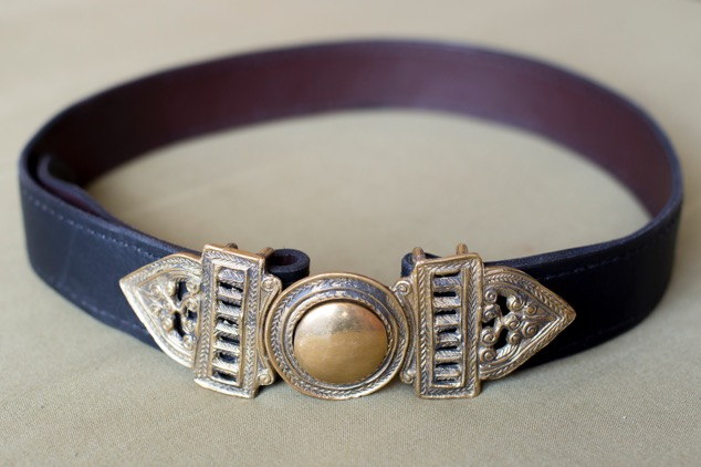 Brass Burmese buckled belt.   Variable sizes.