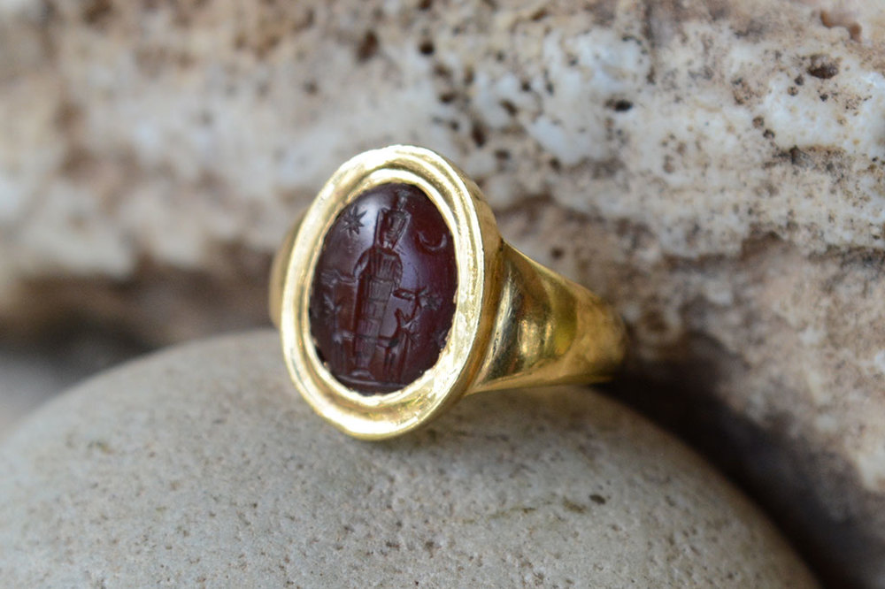 Roman intaglio set in antique Roman design 22 ct gold.  Size to fit.