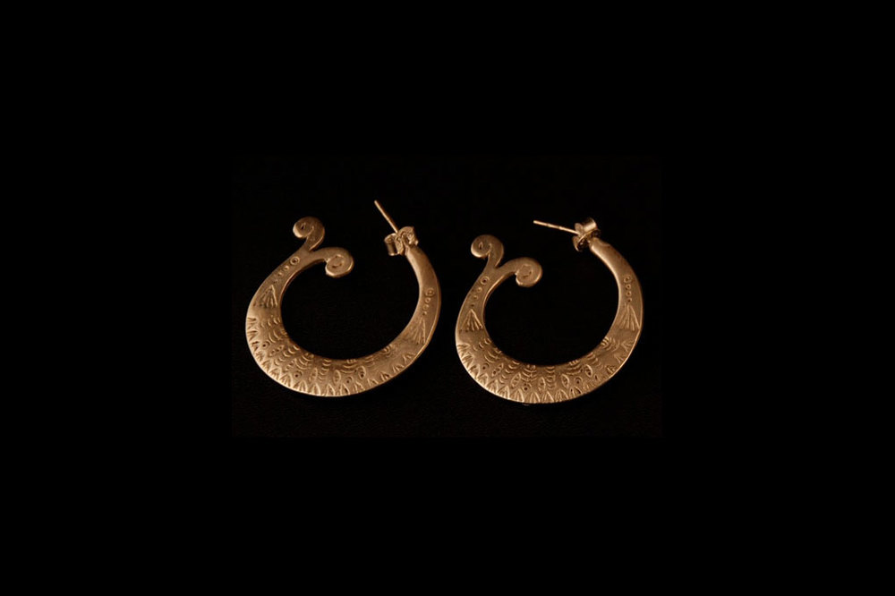 Open fish tails. Silver & silver gold plate. Earring length-.3.5cm  width-.3.5 cm.