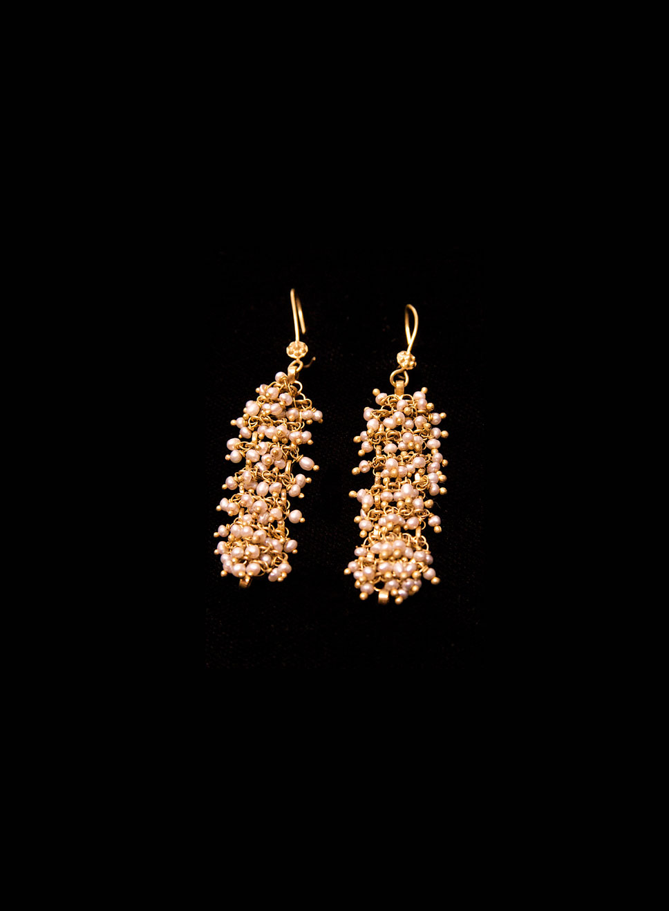 Sea pearls  earrings. 22ct gold. Earring length- 6cm.
