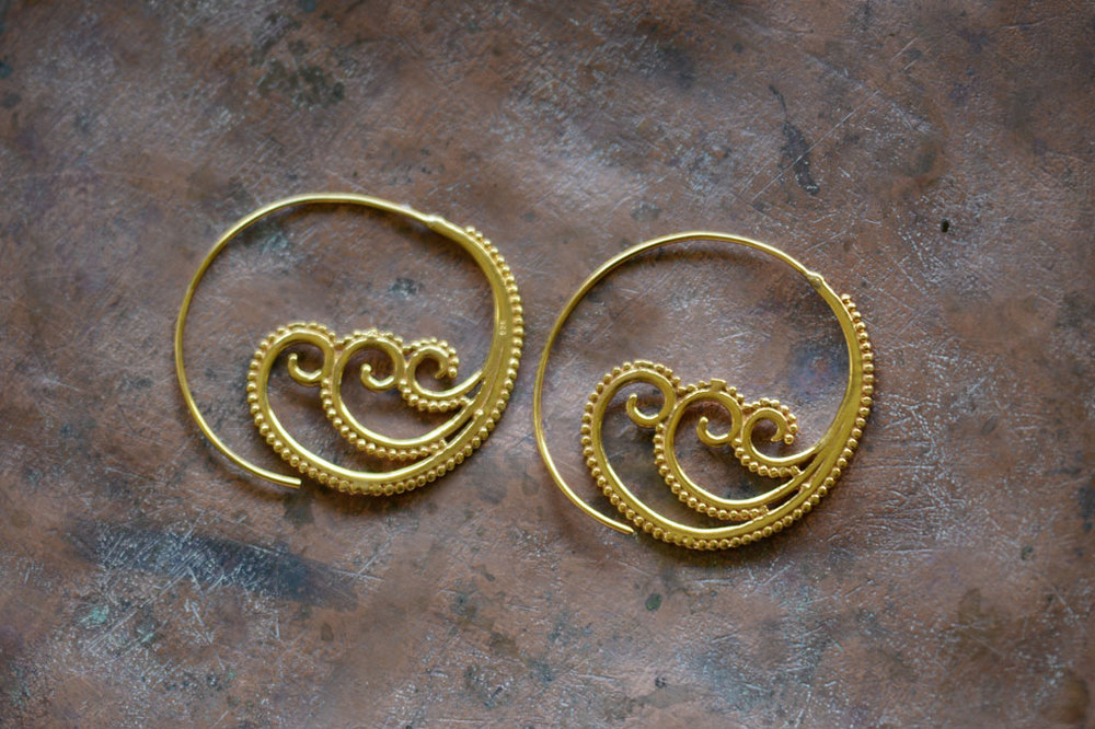 Open hoops with filigree waves. Silver and silver gold plate. Length 4.5cm width 4.5 cm.