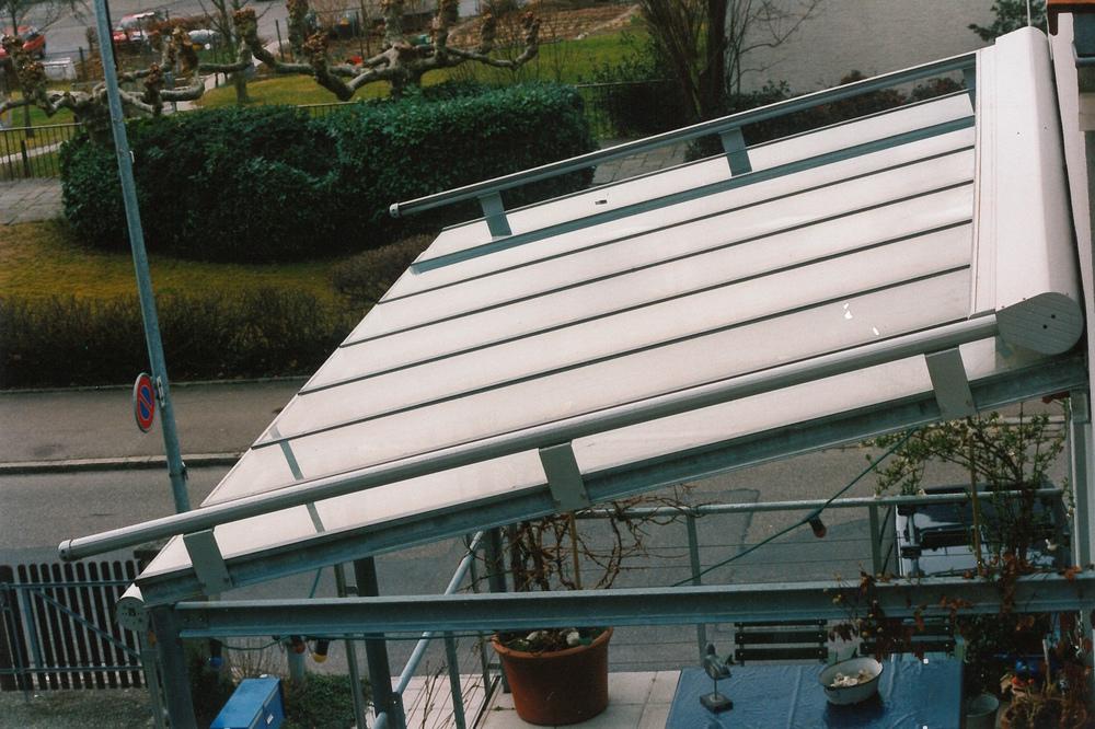 Vordach mit Beschattung.jpg
