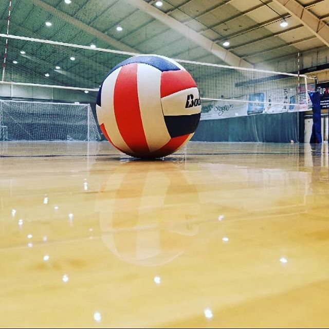 Where else can you find court time for $25 an hour? Book with us at the Greentree Sportsplex! #pittsburghsports #volleyball #greentreesportsplex #fitsburgh
