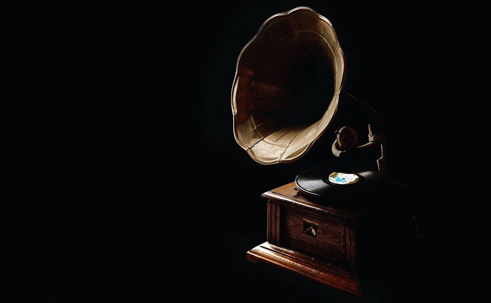 antique-blur-classic-595699.jpg