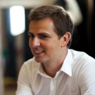 Jonathan Vidor - CEO JVWEB