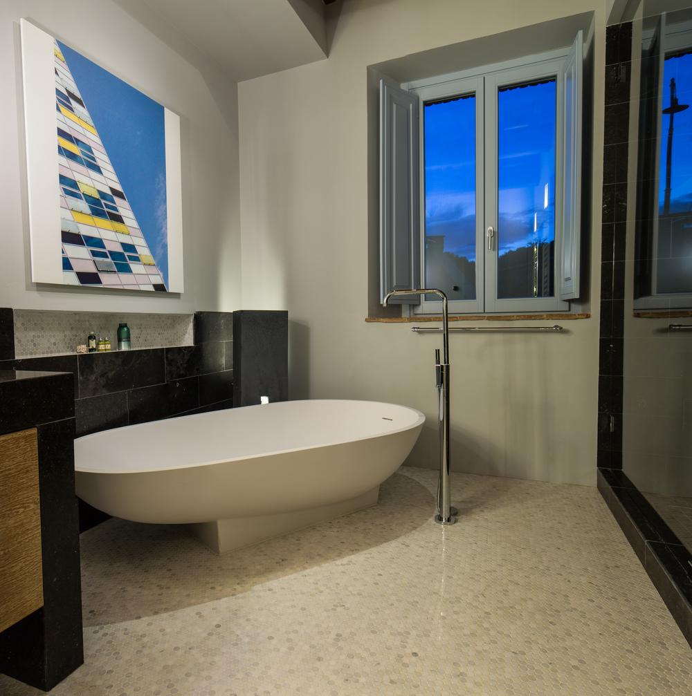 Bath2_06.jpg