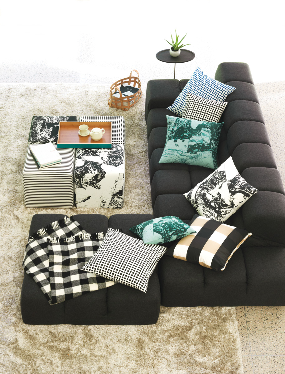 Sofa-overhead-pillows-cubesrszd.jpg
