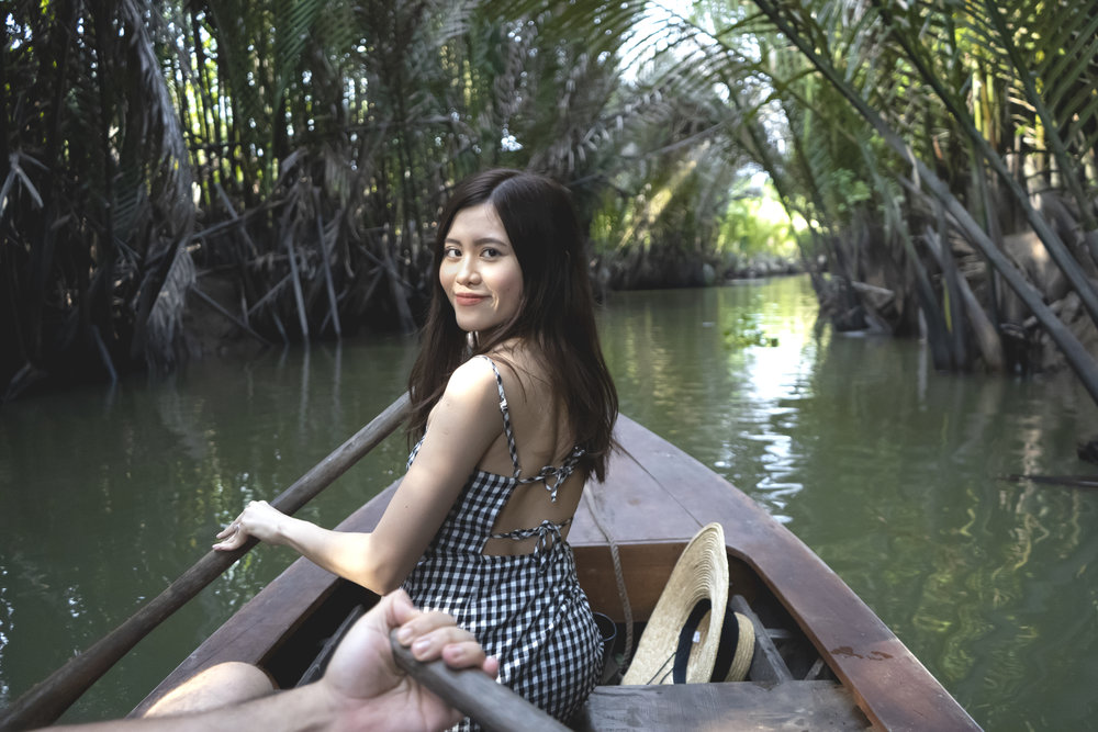 Immersing ourselves in this exotic Mekong delta river 🖤🌴🏝🚣🏻♂️ We had loads of fun paddling in the Mekong delta river, it was probably my highlight of that day and hands down the most exciting thing I did there lol.