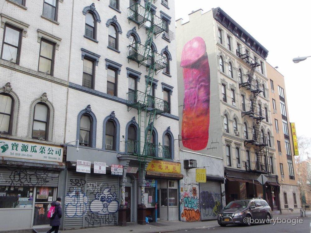 giant-penis-mural