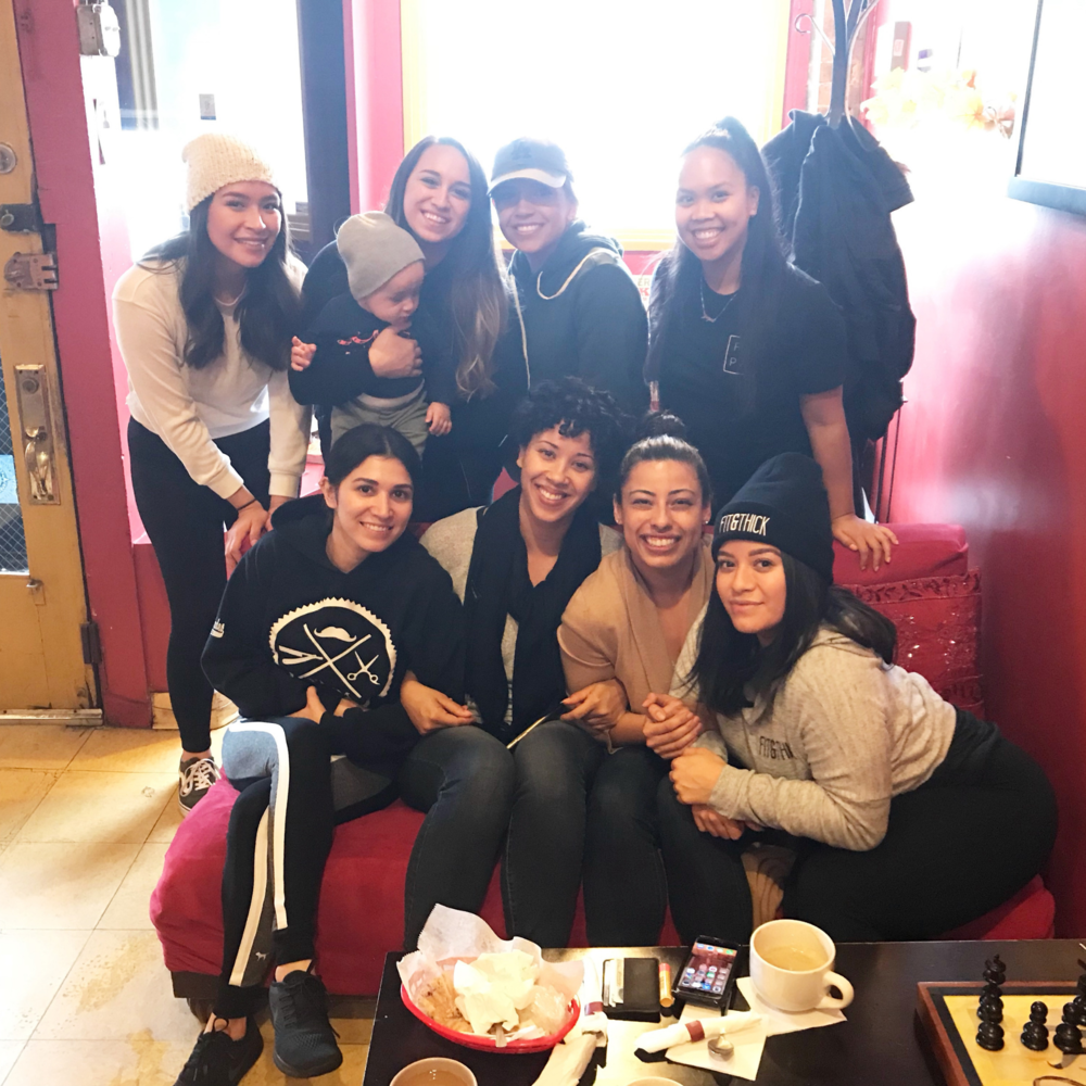 (From back to front, and left to right) Maria, Michelle and the adorable Adrian, Cecilia, Jamie, Martha, myself, Jen, and Daniela. // Follow the meet ups on IG:  #fitandthickmeetups  P.S. Ain't we cute!?
