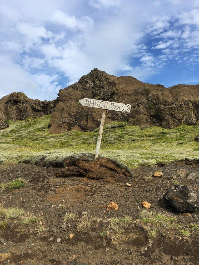 iceland-adventures-britton-perelman-sign.jpg
