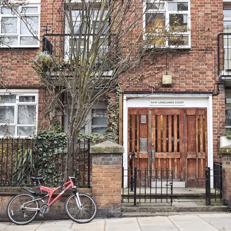 britton-perelman-london-portobello-road.jpg