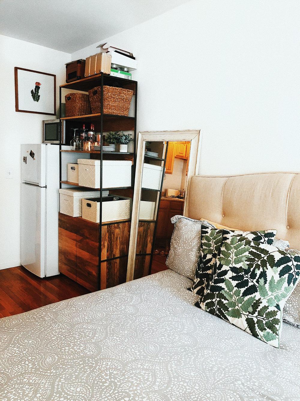 Upper East Side New York Studio Apartment Decor
