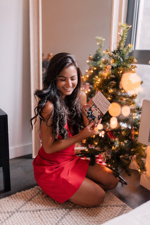 The Bachelor Caila Quinn New York City Mixbook Christmas Card with Boyfriend Nick Burrello