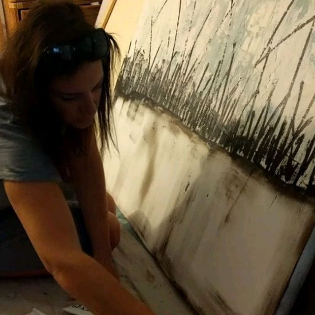 And today I'm painting a sawgrass piece ;) #coastalartist #beach #coastalliving #coastalart #art #hollyblantonart #abstractart #artist #coastal #instaart #coastaldecor #contemporaryart #coastalartforsale #originalart #creative #interiordesign #oceanart #instagood #newart #artwork #gallery #hollyblanton #artsy #igersjax #interiordecor