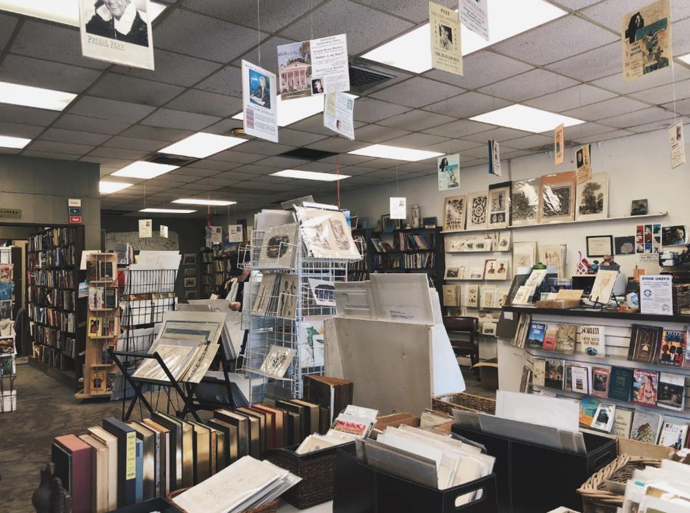BEACHVIEW BOOKS IN ST. SIMONS ISLAND, GA