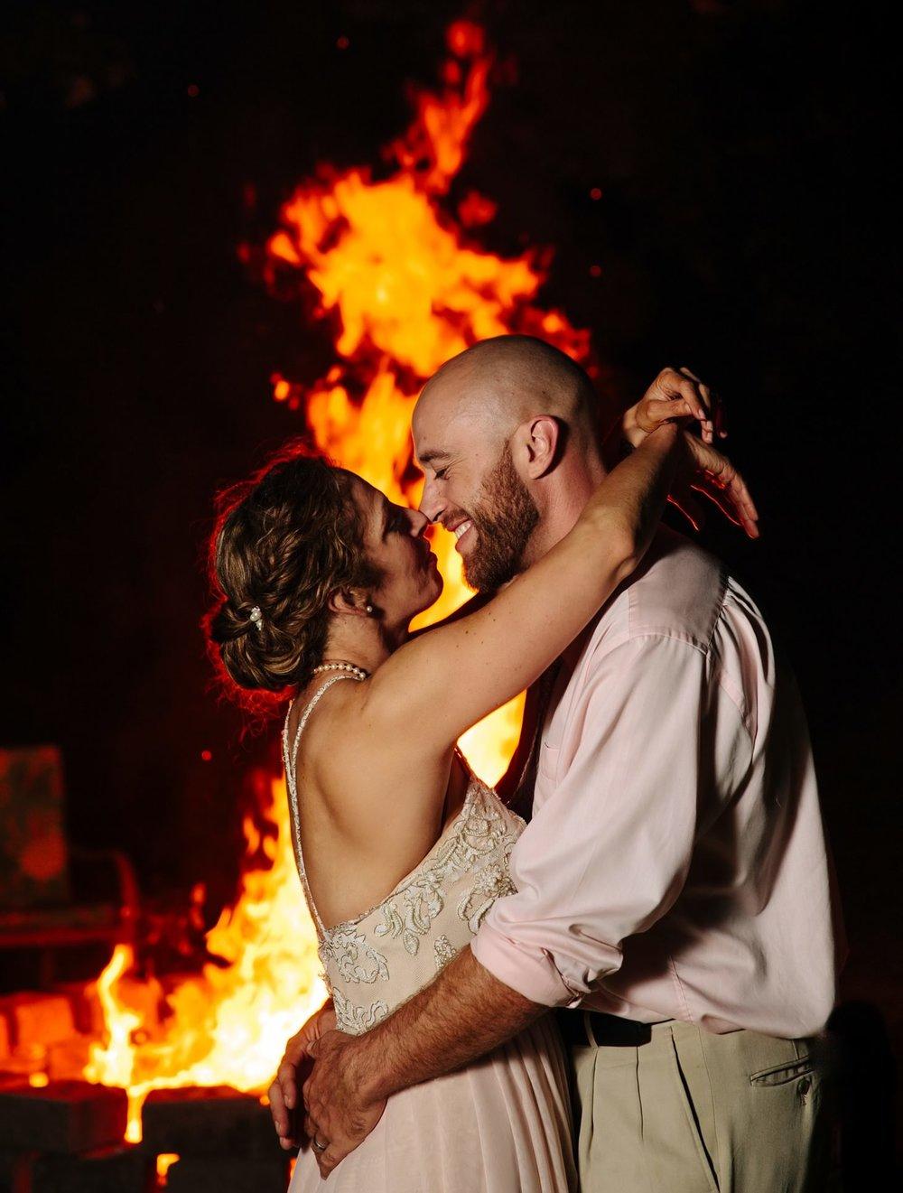 082-nyc-new-york-farm-wedding-bonfire-stables-smittenchickens-.jpg