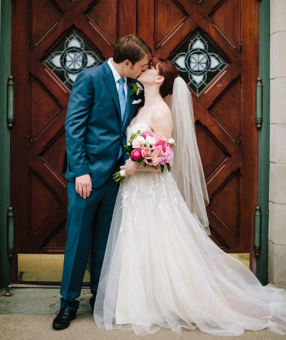 016-nyc-wedding-photographer-smitten-chickens-elope-nyc-wedding-photographer-museum-wedding-smitten-chickens-morris-museum-nj.jpg