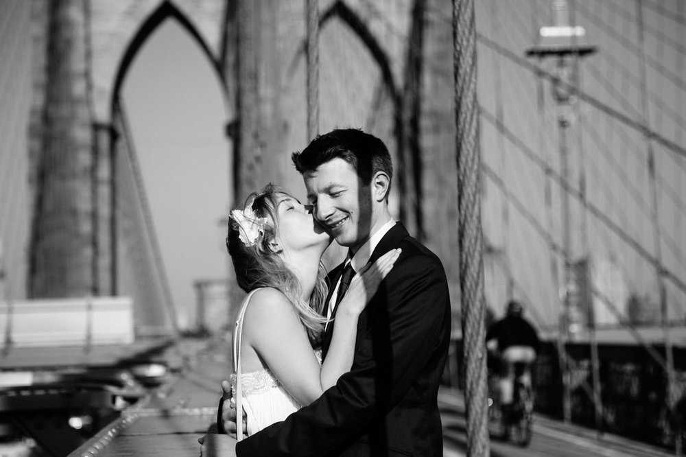 nyc-wedding-photographer-brooklyn-bridge-smitten-chickens-photo013.jpg