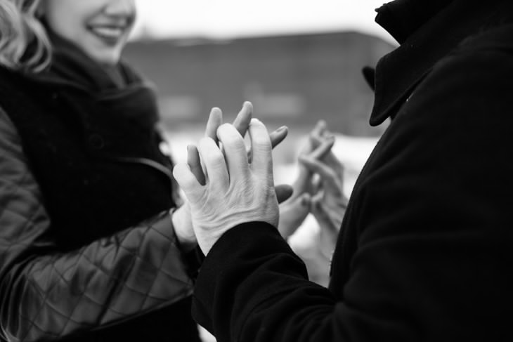 nyc-non-cheesy-engagement-photography-smitten-chickens-sarah-hoppes-photo-cass-tony-006.jpg