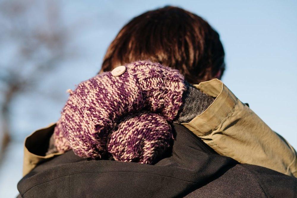 029-nyc-wedding-photographer-orchard-beach-bronx-engagement-winter-smitten-chickens.jpg