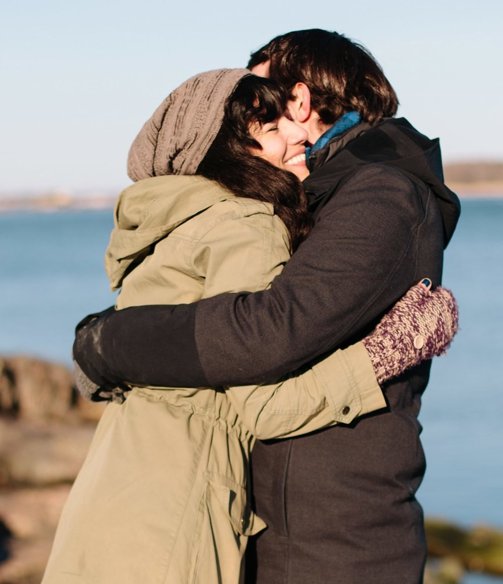 031-nyc-wedding-photographer-orchard-beach-bronx-engagement-winter-smitten-chickens.jpg
