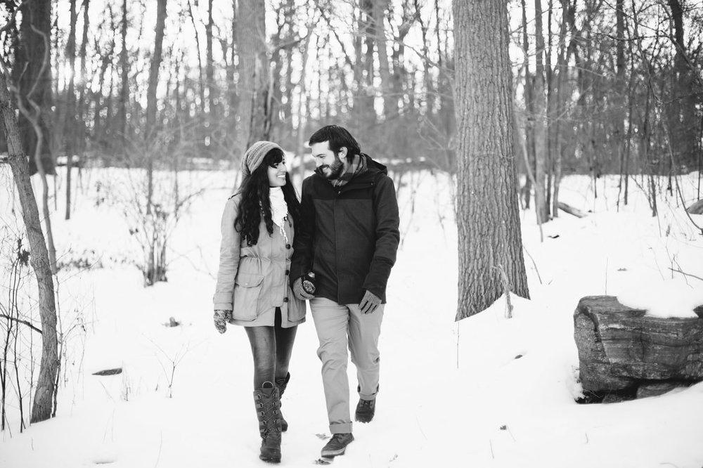 036-nyc-wedding-photographer-orchard-beach-bronx-engagement-winter-smitten-chickens.jpg