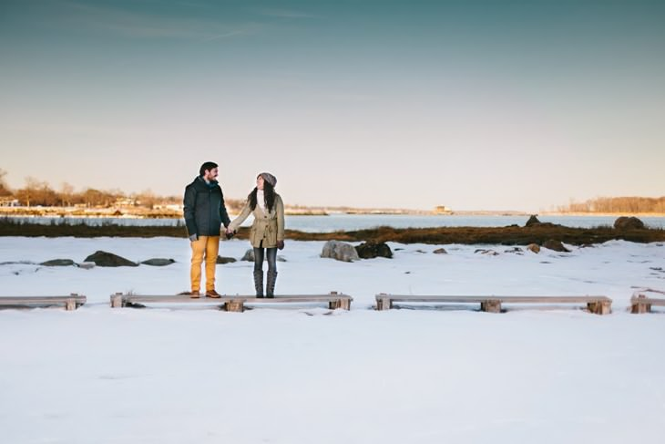 nyc-winter-engagement-photos-offbeat-wedding-photographer-004.jpg