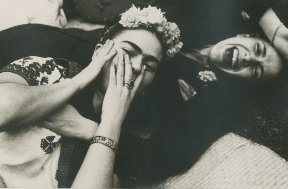 THROCKMORTON Nickolas Muray image of FRIDA KAHLO WITH CHAVELA VARGAS 1945 gelatin silver print 3.25x 5-8 inch susan@susanpr