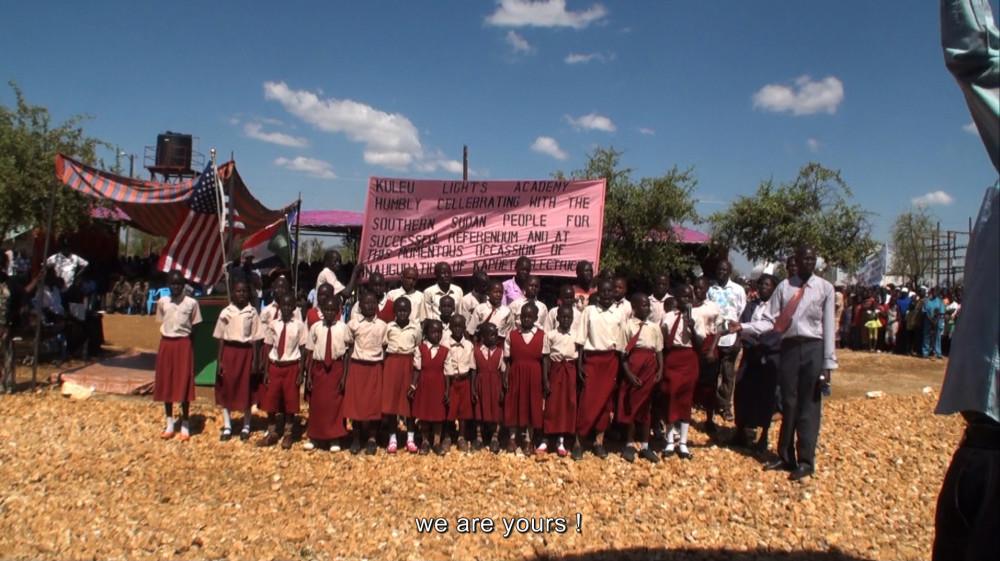 WeComeAsFriends_singing school children