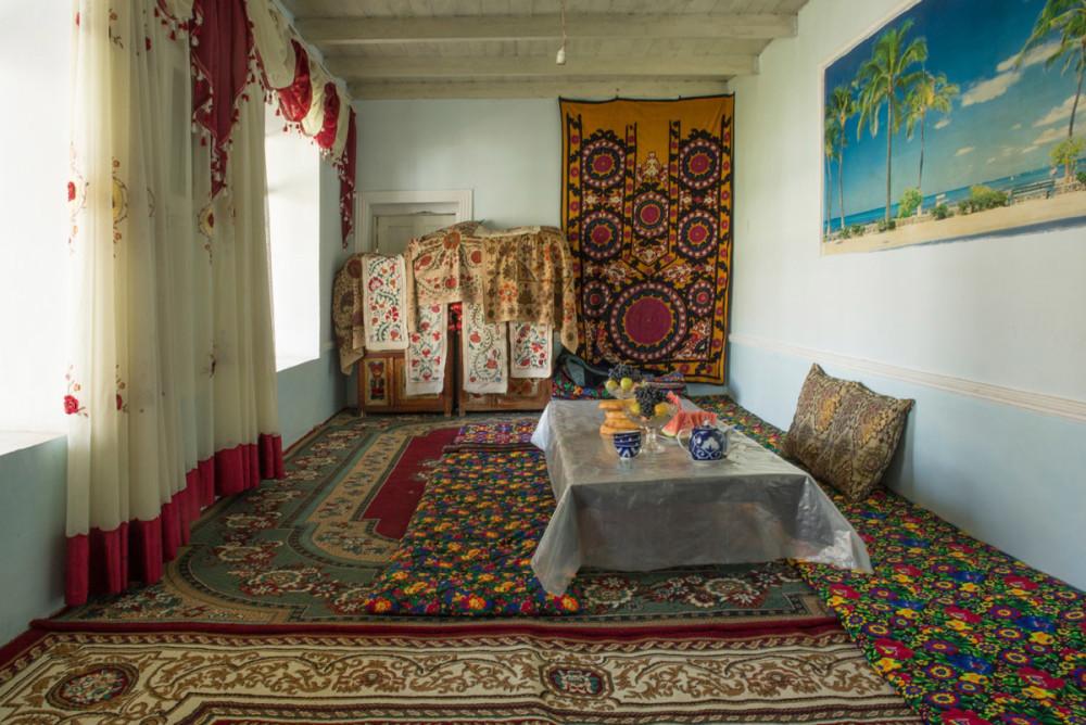 Lynn-Gilbert_Surprise_Urgut-Uzbekistan_3_-2014