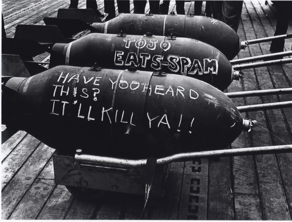 JoFl028_Torpedos on the Deck of a Ship during the Tarawa Battle, 1943