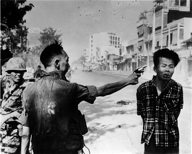 4 - eddie adams - execution vietnam