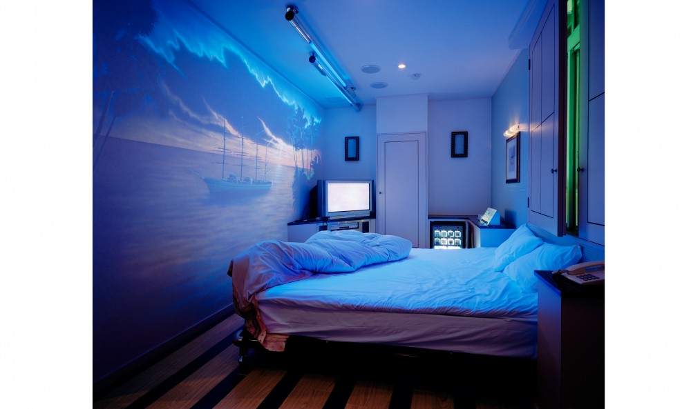 Kander_Nadav- Love Hotel Carib I, Tokyo, 2005web