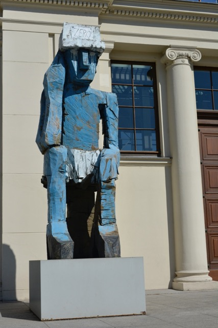 ©Llyod Peterson,  Volk ding zero (man doing nothing) by Georg Baselitz in front of the Hamburger Bahnhof Art Museum, May 2016