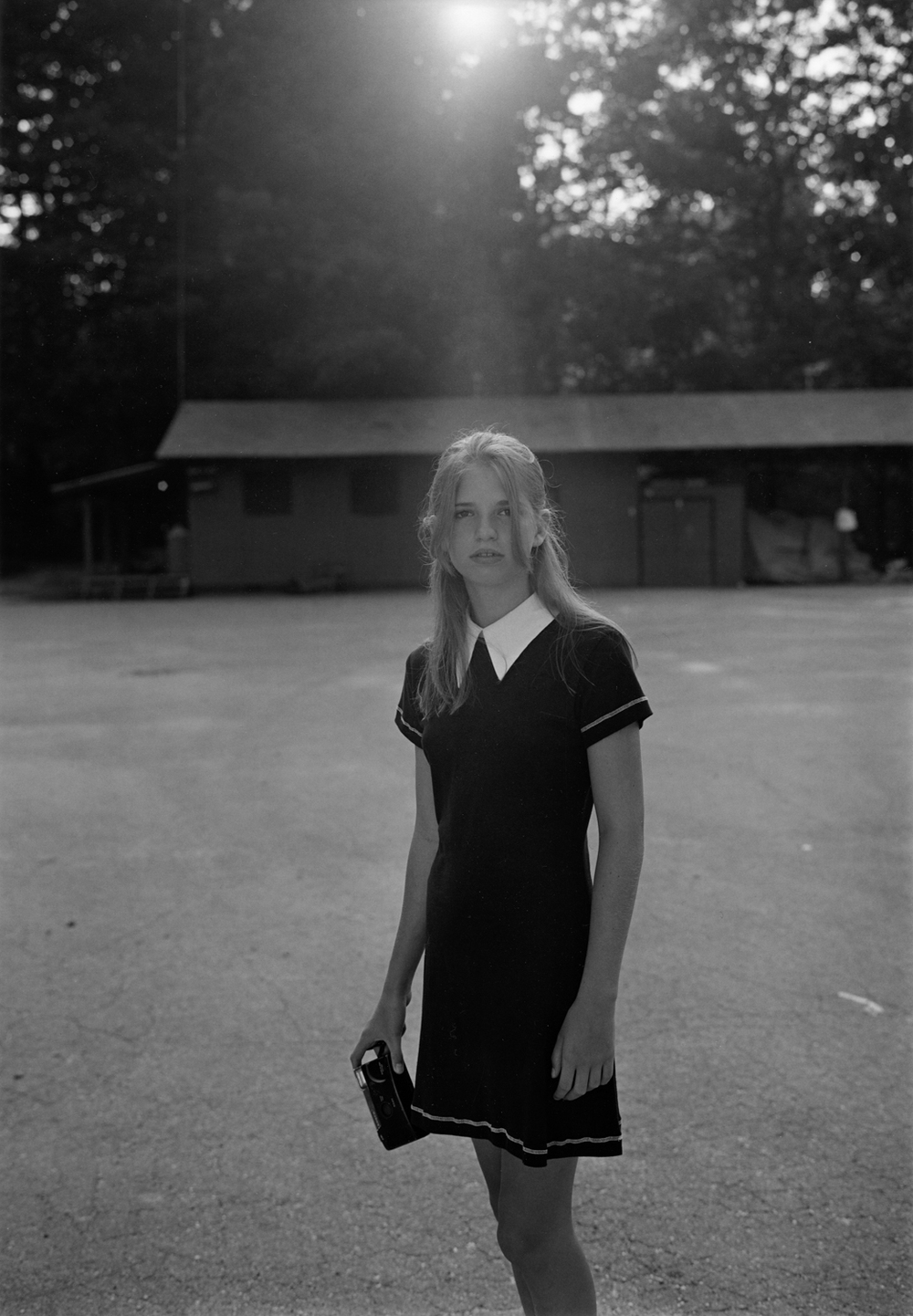 Mark Steinmetz, Summer Camp, Hendersonville, NC, 1995, Gelatin silver print, 24 x 20 inches, courtesy of Yancey Richardson Gallery