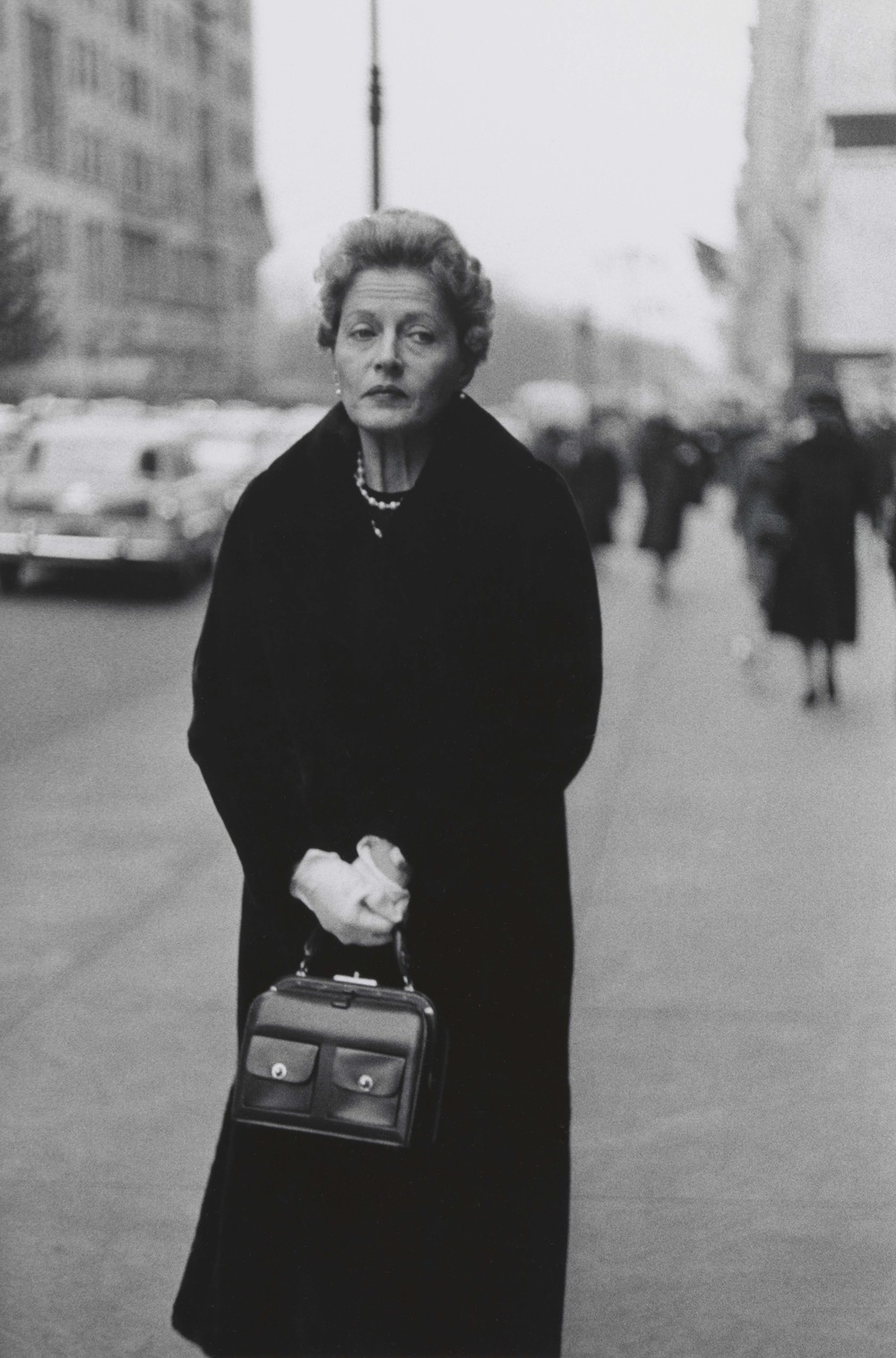 Woman with white gloves and a pocket book, N.Y.C. 1956 © The Estate of Diane Arbus, LLC. All Rights Reserved