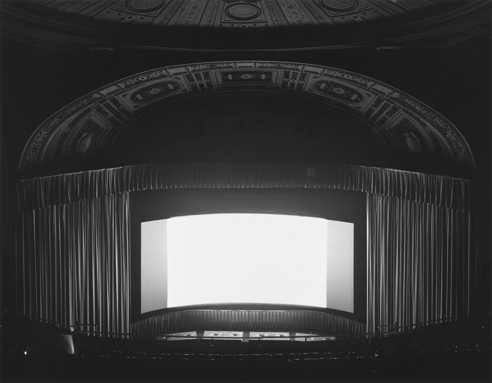 ©Theatersby Hiroshi Sugimoto,U.A. Rivoli, New York, 1977