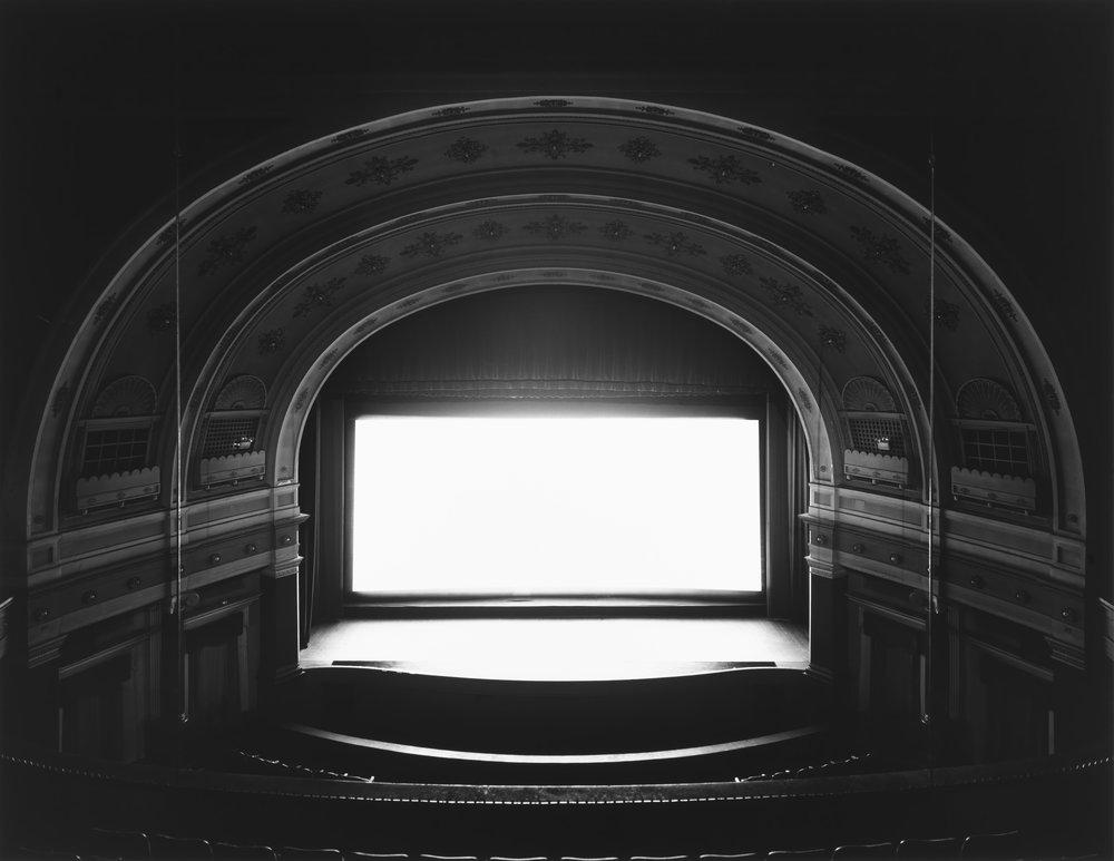 ©Theatersby Hiroshi Sugimoto,Goshen, Indiana, 1980
