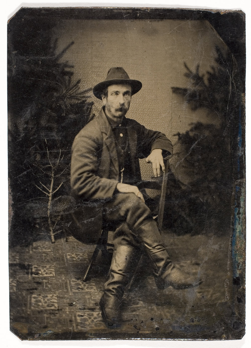 Unidentified Photographer, [Unidentified Man Missing Two Fingers],  ca. 1875. International Center of Photography, Gift of Steven Kasher, 2007 (2007.54.11)