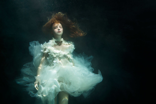 © Zhang Jingna.Motherland Chronicles - Dreaming, 2013
