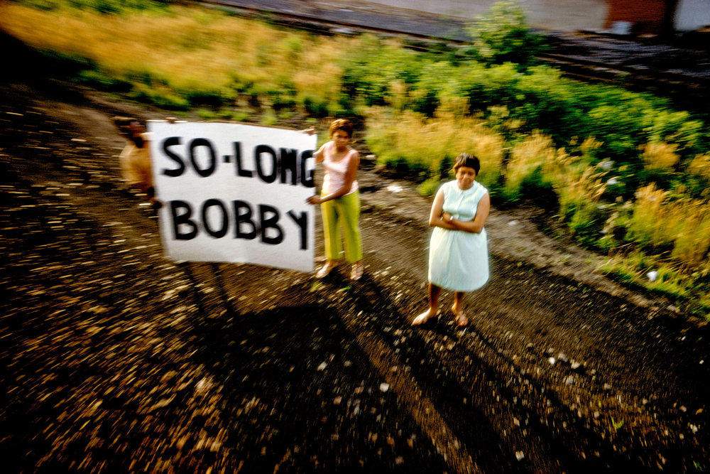 Paul Fusco, RFK funeral train ,  USA, June 1968 © Paul Fusco/Magnum Photos