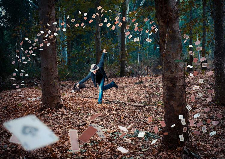 © Ronen Goldman. Master Magician.