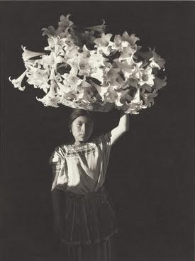 Flor Garduño, Canasta de luz (Basket of light), Sumpango, Guatemala, 1989. NYPL, Miriam and Ira D. Wallach Division of Art, Prints and Photographs. © Flor Garduño