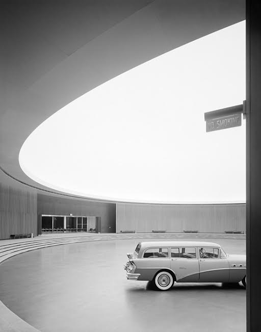 TWA Terminal at Idlewild (now JFK) Airport, Eero Saarinen, New York, NY, 1962.