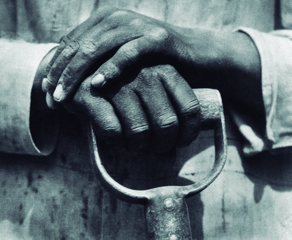 Hand and Shovel, Photograph by: Tina Modotti